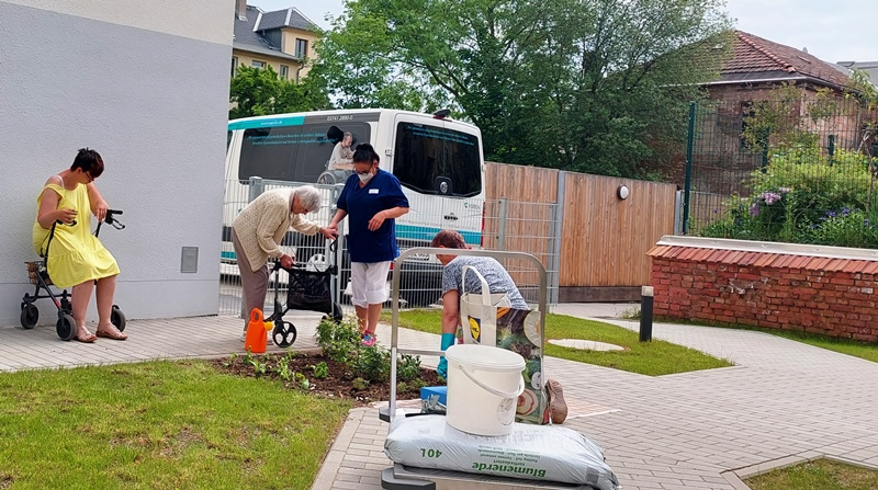 Gartenarbeit ist bei uns oft